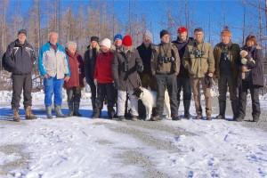 Hackspettsintresserad grupp i Hälleskogsbrännan, 28/2 2016. Foto: Lennart Waara